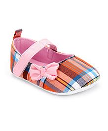 Cute Walk by Babyhug Booties Bow Applique - Light Pink