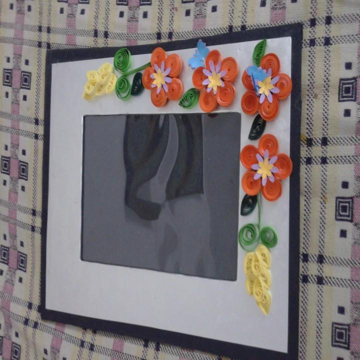 beautiful paper quilling foto frame